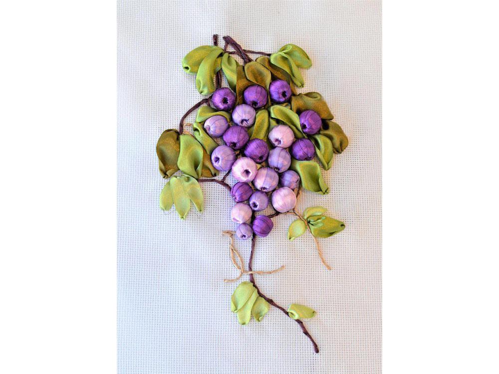 Вышивка винограда лентами 76