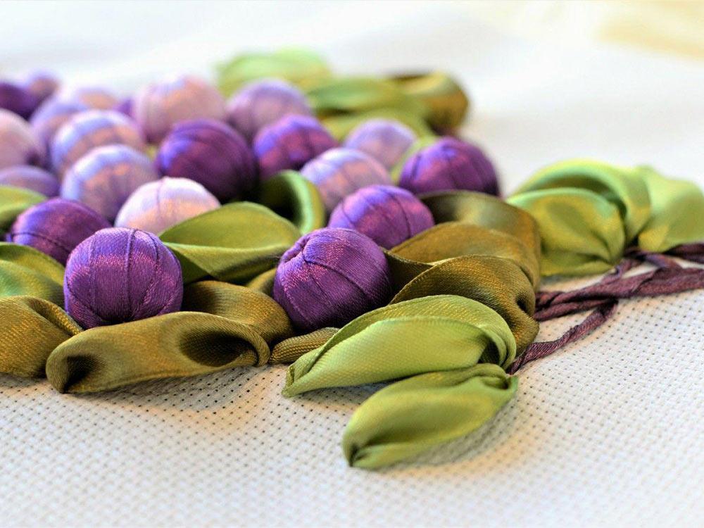 Вышивка винограда лентами 2